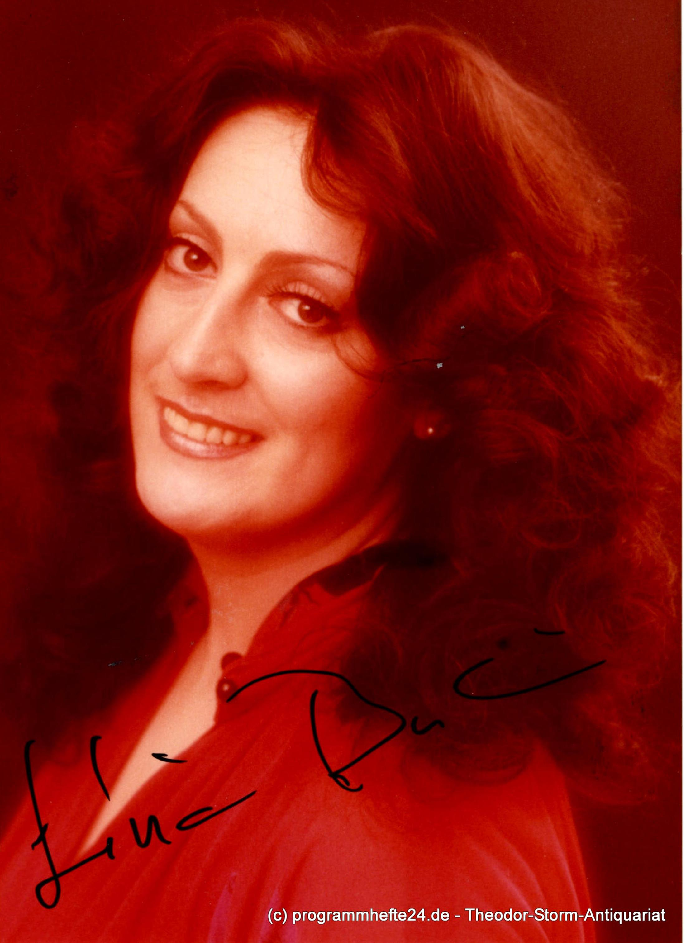 Autogrammkarte Livia Budai ( Opernsängerin ) signiert Oper Sängerin Mezzo-Sopran