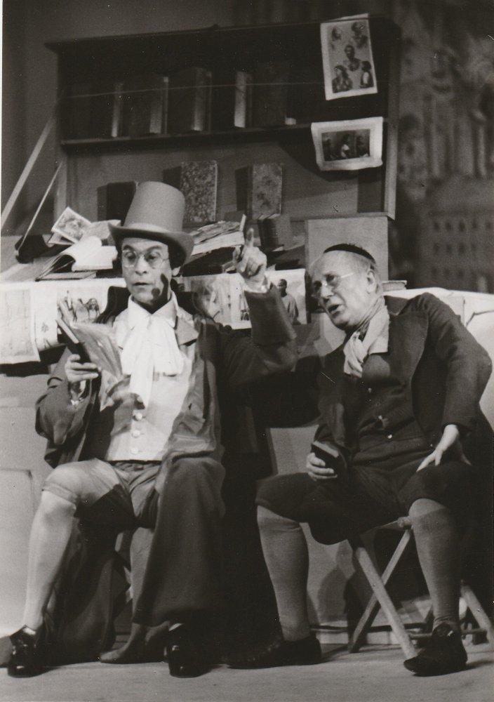 Szenenfoto PAUL BILDT und Ernst Deutsch in Die verlorenen Schuhe AUTOGRAPH 1952