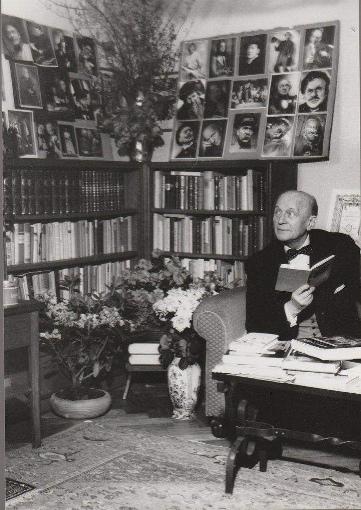 Foto Paul Bildt in seinem Wohnzimmer Berlin ca. 1952