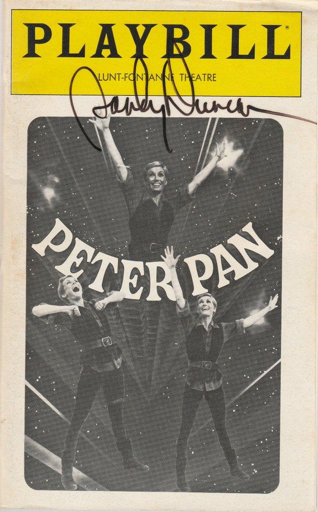 Sandy Duncan as PETER PAN November 1980 SIGNIERT Playbill, LUNT-FONTANNE THEATRE
